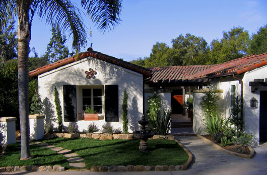 Classic_Santa_Barbara_Spanish_Revival_Architecture