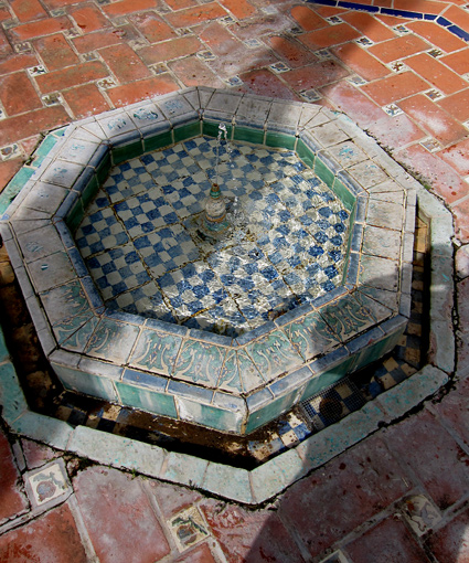 George Washington Smith architect design of authentic Seville Spain fountain photo, images