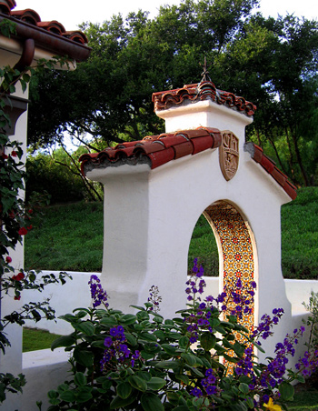 Spanish style homes in santa barbara california designers for Spanish garden designs