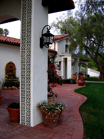 Spanish style courtyards and entry photos
