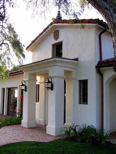 Spanish style homes in santa barbara california designers for Santa barbara style house